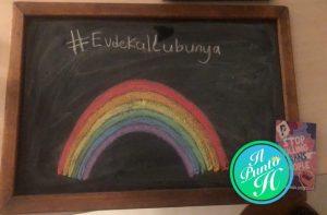 la Turchia vieta di disegnare arcobaleni