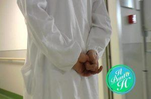 medico offende con insulti omofobi paziente durante operazione